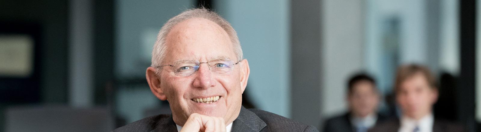 Bundesfinanzminister Wolfgang Schäuble lacht