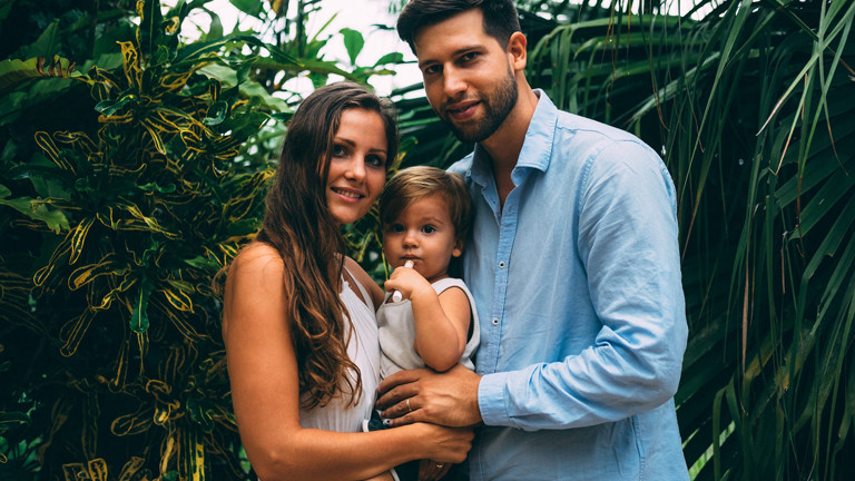 Sandy, Benni und Baby Liam auf Reisen.