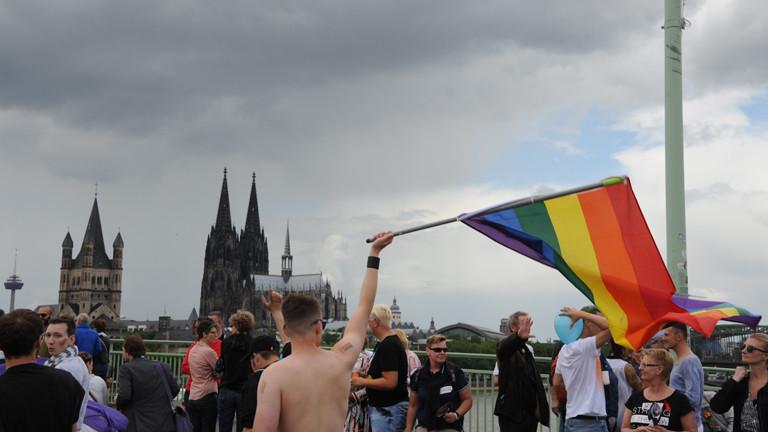 Teilnehmer des Christopher Street Day (CSD) am 03.07.2016 in Köln.