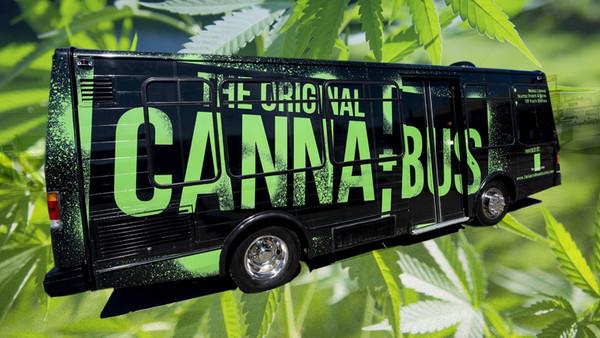 Ein Party-Bus, in dem Marihuana geraucht werden darf.
