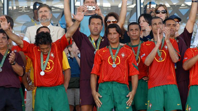Die portugiesische Beachfußball-Mannschaft mit Silbermedaille