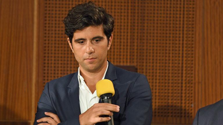 """Der Moderator und Journalist Jaafar Abdul Karim aufgenommen bei der Podiumsdiskussion beim WDR Integrationsgipfel """"Wie schaffen wir es?"""" am 23.11.2016 in Köln"""