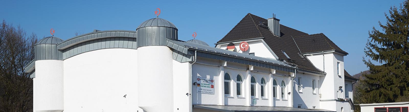 Die Ditib-Moschee in Fürthen wurde von BKA-Fahndern durchsucht.
