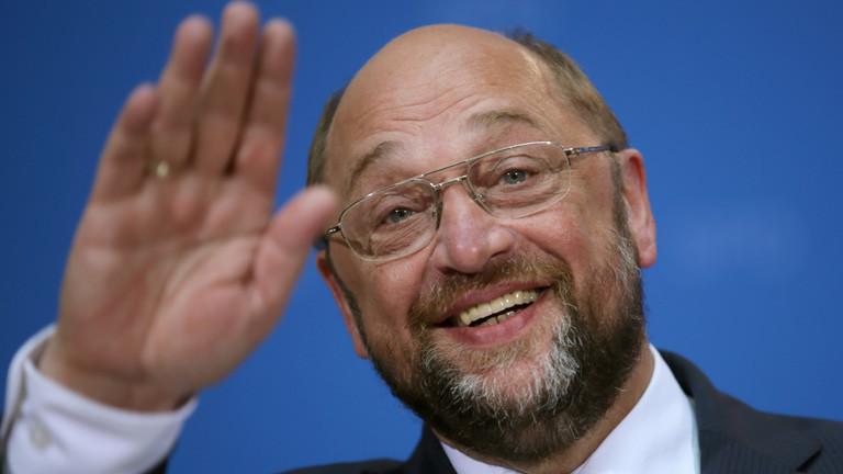 Martin Schulz winkt