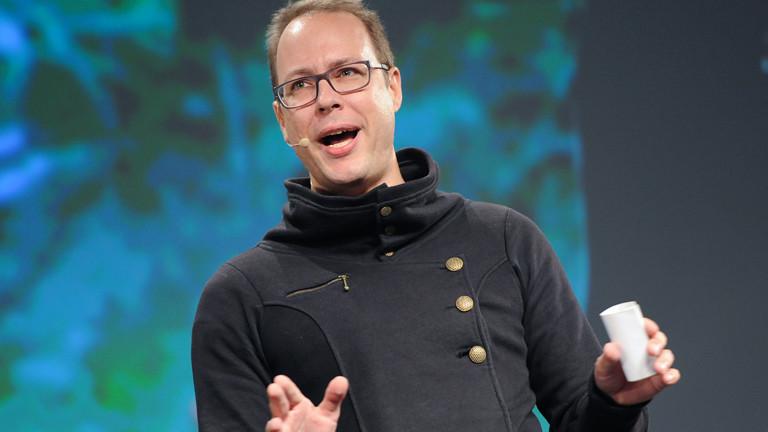 Der netzpolitische Aktivist und Journalist Markus Beckedahl spricht am 06.05.2014 bei der Eröffnung der Internetkonferenz Republica in Berlin.