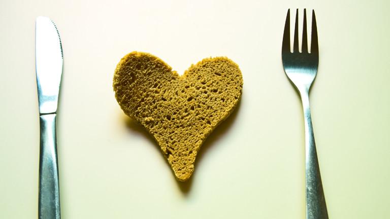 Brot in Herzform.
