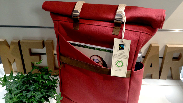 Eine Tasche mit Fairtrade-Siegel
