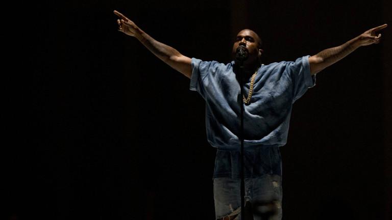 Kanye West bei einem Auftritt.
