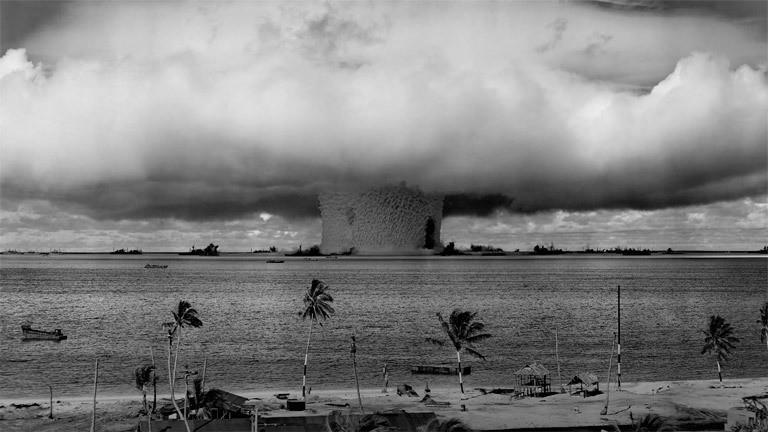 Explosion einer Atombombe im Bikini-Atoll